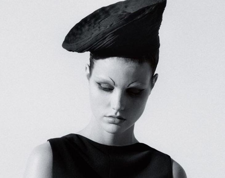 Kuva on Vogue (UK) lehdestä, Jaques Le Corren baretti. Lehden digiversiota saa muuten lukea aika halvalla!